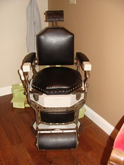 Barber Chair (Gadsden, Al.) (bamaboy1941) Tags: al barberchair gadsden