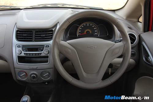 Chevrolet-Sail-Sedan-14