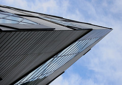 pointy ROM. (moloko-vell0cet) Tags: toronto ontario museum architecture photoshop canon lens rebel pointy exterior royal kit xs angular rom canda edgy shapr cs5