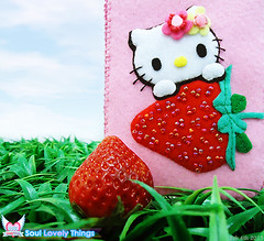 Strawbee Kitty (Soul Lovely Things) Tags: hello pink red cute mobile garden strawberry handmade crafts kitty craft felt cover kawaii lovely kawthar alhassan soullovelythings