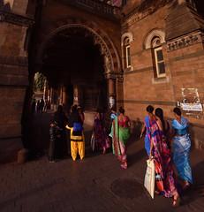 (Rick Elkins Trip Photos) Tags: mumbai maharashtra india woman women chhatrapatishivajiterminus railway station victoriaterminus railroad train