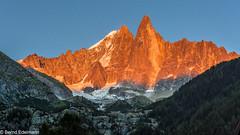 Aiguille Verte (4122 m) und die Les Drus (3754 m) bei Sonnenuntergang (Bernd Edelmann) Tags: aiguille verte drus