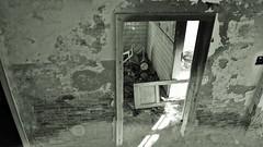 Raggio (BarbaraBonanno BNNRRB) Tags: abandonedbuilding abbandonata architettura abandoned abandonedarchitecture colonia coloniaettoremotta costruzione decadimento decay edificio foto green grey interni biancoenero colors marinadimassa massacarrara entrata interno struttura scala ventennio urban architetturafascista aschitettura fascismo httpwwwtotallylosteuspacecoloniaettoremotta blackwhite httpswwwflickrcomphotosorganizestarttaboneset72157697105749785 exploreunexplored a hrefhttpswwwflickrcomphotosorganizestarttaboneset72157697105749785wwwflickrcomphotosorganizestarttaboneset72157697a explore unexplored blackandwhite noiretblanc blancoynegro barbarabonanno bonannobarbara bnnrrb bybarbarabonanno photo