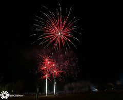 Beaudesert Show 2016 - Friday Night Fireworks-57.jpg (aussiecattlekid) Tags: skylighterfireworks skylighterfireworx beaudesert aerialshell cometcake cometshell oneshot multishot multishotcake pyro pyrotechnics fireworks bangboomcrackle