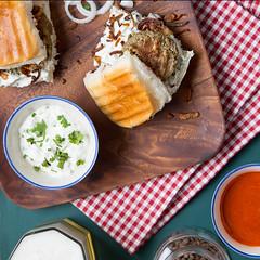 Pack A Pav (Assadajd) Tags: food foodphotography foodporn foodgasm foodcoma canon eos macro macrophotography bread kebabs india indianfood