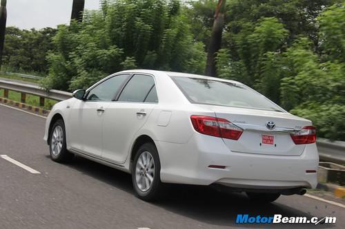 2012-Toyota-Camry-05