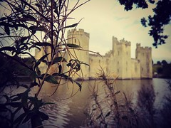 (Leonie_Bow) Tags: england castle water bush mysterious bodiamcastle