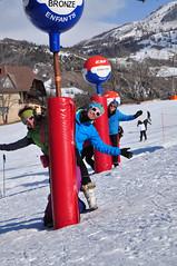 Cet hiver, entre amis, au Sauze Super Sauze (Alpes de Haute Provence) Tags: ski france alps montagne alpes 04 hiver paca neige provence alp alpe verticale personnage alpesdehauteprovence provencealpescôtedazur hauteprovence horizontale alpeshauteprovence alpesprovence bassesalpes visit04 ambianceneige alpesmercantour mirphoto sauzesupersauze