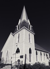 White Triangles (Tom Haymes) Tags: blackandwhite church texas giddings historicchurch whitechurch texaschurch giddingstexas firstpresbyterianchurchgiddings firstpresbyterianchuychgiddingstexas