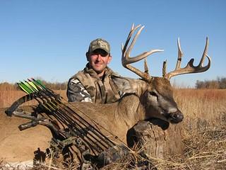 Kansas Trophy Whitetail Bow Hunt 8