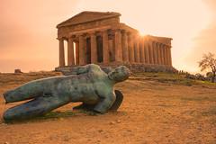 Templo della Concordia (macsbruj) Tags: agrigento sicilia italia it templo photoshop naranja