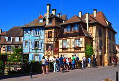 Turisti a Colmar - Tourists in Colmar (Ola55) Tags: ola55 france colmar estate summer colours colori italians