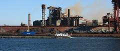 (jptaverne) Tags: port industriallandscape paysageindustriel pniche asturias inlandvessel