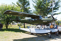 Private Helio H800 Courier N400HE (jbp274) Tags: greenville greenvilleseaplaneflyin 52b flyin mooseheadlake airplanes seaplane floatplane helio h800 courier