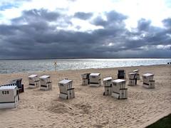 Strandkorbversammlung (uwe20) Tags: cloud beach strand germany sand wolken sylt strandkorb absolutegoldenmasterpiece
