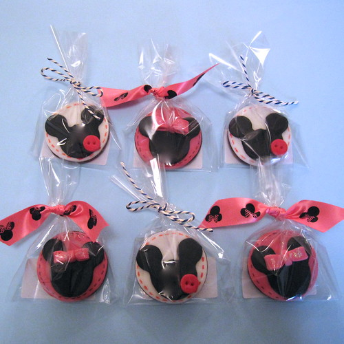Minnie Mouse & Mickey Mouse Cookies