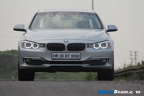 2012-BMW-320d-F30-07