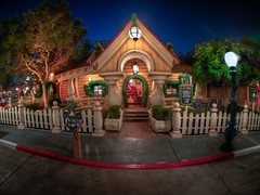 "Mickey's House - Toontown - Disneyland • <a style=""font-size:0.8em;"" href=""http://www.flickr.com/photos/85864407@N08/8114884143/"" target=""_blank"">View on Flickr</a>"