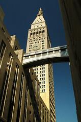 Passage (DJ Axis) Tags: metropolitan life insurance company tower met new york edition hotel landmark skyscraper located madison avenue napoleon lebrun sons architect passerelle gangway walkway air bestv