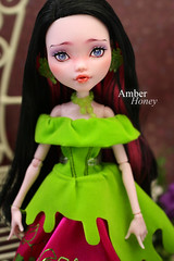 Draculaura Repaint (Amber-Honey) Tags: monster amber high mod doll ooak honey custom mattel repaint draculaura