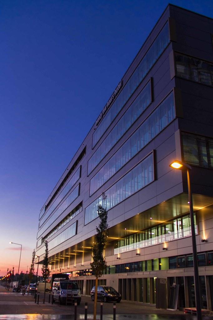 Hip new design hotel 25hours in zurich west for Design hotel zurich