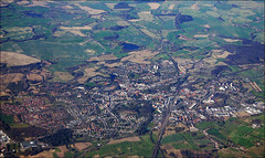 Bad Oldesloe von oben (Prinz Wilbert) Tags: plane germany landscape deutschland town europa europe bad aerial fromabove fields flugzeug birdseyeview fromtheair holstein luftbild birdsview brd schleswig vogelperspektive vonoben oldesloe stormarn frg linienflug birdseyeperspective überflug