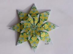 Sylter Stern - Star Sylt (esli24) Tags: origami doris weihnachtsstern origamistar christmasstar lauinger papierfalten sternstar vielfaeltig2010 juliaschönhuber esli24 ilsez sylterstern sylterstar