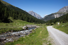 Val S-charl (GR) (Toni_V) Tags: m2400879 rangefinder messsucher leicam mp typ240 35lux 35mmf14asph 35mmf14asphfle summiluxm hiking wanderung randonne escursione graubnden grisons grischun valscharl engadin engiadinabassa unterengadin switzerland schweiz suisse svizzera svizra europe alps alpen tschiervlscuol clemgia river fluss bach perspective landscape nature toniv 2016 160822