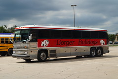 Borger Bulldogs MCI MC-9 (sj3mark) Tags: borger bulldogs borgerisd mci tmc mc9 activitybus motorcoach