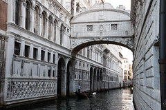 A Little Romance (jp rho) Tags: riodipalazzo pontedeisospiri canals gondolas italy venice bridgeofsighs