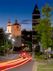 three in a row (peterschn) Tags: canon canoneos750d car eos750d night nacht longexposure dark red blue colour turm klettnersturm tower traffic way summernight summer sommer bavaria bavariannight photography tirschenreuth light threeinarow perspektive perspective road street streetphotography pm hurry stars starlight
