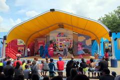 Sesame Place - Magic of Art (wallyg) Tags: amusementpark buckscounty langhorne magicofart sesameplace sesameplaceneighborhoodtheater pennsylvania themepark show sesamestreet themagicofart
