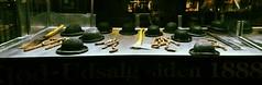 Psyco (Colombaie) Tags: danimarca denmark copenhagen macelleria vetrina sera inquietante accette machete mannaia bombette uomo salsicce secche