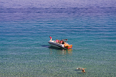 DSC08442 (mingzkl) Tags: sonya7r contaxzeissg90mmf28 laketahoe blue water boat swimming