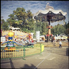 lunapark (Lana Mayakovskaya) Tags: film analog lomo lomography lofi moscow park amusementpark dianamini squareformat