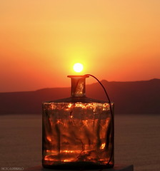 I tried to kept the sun in a bottle ... (BE'N 59. Street photographer) Tags: santorin santorini fira sunset coucherdesoleil