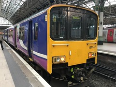 150147_ManchesterPiccadilly (CaptFlameRate) Tags: northern arriva manchesterpiccadilly class150 150147 150111 sprinter rushhour train railway dmu dieselmultipleunit