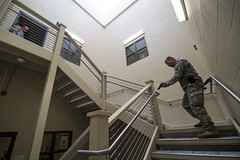 Warrior mindset (PublicAffairs200) Tags: armyreserve usarmyreserve militarypolice soldiers soldier 200thmp 200thmpcmd 200thmilitarypolicecommand training uniform weapons rifles machineguns pistol activeshooter armedguard guardduty military police threat activethreatresponse activeshooterthreatresponsetraining program defense defend installations protect preservelife violenceofaction speed surprise tn tennessee chattanooga nashville unitedstates