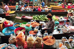 Damnoen Saduak Floating Market (SleekViv) Tags: river thailand boat nikon floatingmarket d90