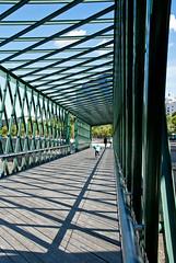 sombras en el puente