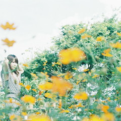 (kajico**) Tags: flower 120 film girl square hasselblad freind fujipro400h
