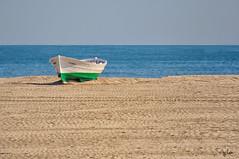 Solitaria (Leles14) Tags: valencia barca palay malvarrosa d90