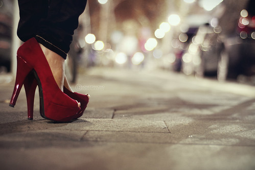With time comes perspective~ [300/366] (Simonesta~) auto street city light red cars car night rouge lights town shoes strada boulevard bokeh plateau perspective floreana molino heels luci nightview rosso macchina notte luce scarpe citt automobili prospettiva viale macchine tacchi ladyfree