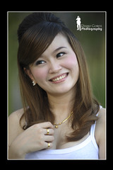 Michelle - Pose 2 (Ringgo Gomez) Tags: awesomeshot nikon80200mm topseven flickraward malaysianphotographers nikond700 perfectphotographer perfectphotographers sarawakborneo thebestshot flickraward5 mygearandme flickrawardgallery