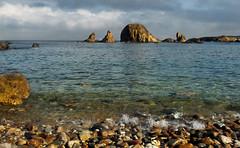 Ven, siéntate.... (Geli-L) Tags: costa mar agua asturias playa isla soe piedra occidente tapiadecasariego platinumpeaceaward mygearandme mygearandmepremium mygearandmebronze mygearandmesilver
