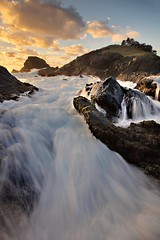 Tacking Point Rush (Tim Donnelly (TimboDon)) Tags: ocean seascape water sunrise canon hitech portmacquarie manfrotto waterscape rushing