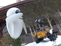 Eve & Wall.E (CoasterMadMatt) Tags: park eve winter snow paris france weather statue season french photography  photographie photos snowy euro disneyland hiver january disney resort photographs theme neige blanche temps janvier parc franais park disneylandparis saison disneylandresortparis walle discoveryland parc thme 2013 theme paris euro disney coastermadmatt disneyland thme