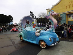 Disney's Stars 'n' Cars: The Little Mermaid (CoasterMadMatt) Tags: park winter en paris france cars les season stars french photography  foto photographie little photos euro disneyland hiver january disney voiture parade resort photographs theme mermaid studios walt janvier parc franais avec park littlemermaid disneylandparis saison disneylandresortparis thelittlemermaid parc thme 2013 starsandcars studios walt theme paris euro disney disneystarsandcarsparade coastermadmatt thme envoitureaveclesstarsdisney
