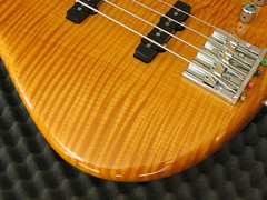 12 (janoutech) Tags: warmoth bass bassporn blonde