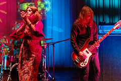 Jess and the Ancient Ones (Tuomo Lindfors) Tags: jessandtheancientones taiteidenilta 2016 kiuruvesi kulttuuritalo kiuruvedenkulttuuritalo kiurusali psychedelic rock yhtye band dxo filmpack tamronsp70200f28divcusd live suomi finland